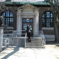 Photo taken at New York Public Library - St. George by diinonn diboy b. on 3/6/2012