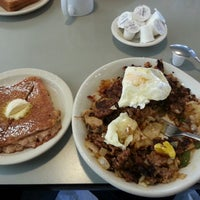 Photo taken at Hits The Spot Diner by Warren F. on 10/15/2014