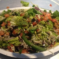 Photo taken at Chipotle Mexican Grill by Cinem A. on 9/4/2013
