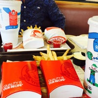 Photo taken at Wendy's by Raj D. on 9/4/2015
