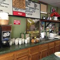 Photo taken at Shakers Cafe & Restaurant by Jennifer Z. on 9/7/2013
