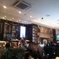 Photo taken at PARIS CROISSANT Kitchen by Seulgi Y. on 12/25/2013