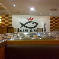 Photo taken at Sushi King by Izza Fara on 10/10/2012