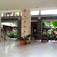 Photo taken at Hotel Asia Afrika Pasar Kembang by Peter Yang on 4/8/2013