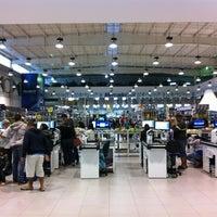 Photo taken at MercadoCar by sanDru H. on 10/14/2012