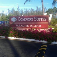 Photo taken at Comfort Suites by Theo J. on 11/12/2013