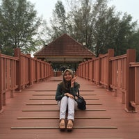 Photo taken at Jeti, Pantai Cahaya Negeri by Syahrulnadia A. on 4/25/2016