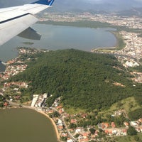 Photo taken at Aeroporto Internacional de Florianópolis / Hercílio Luz (FLN) by Maristela C. on 1/12/2013