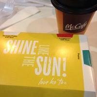 Photo taken at McDonald's by Sheena Mae L. on 12/17/2015