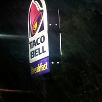 Photo taken at Taco Bell by david v. on 6/29/2014