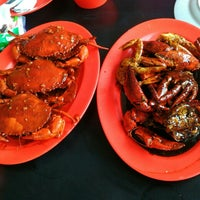 Photo taken at Dandito Seafood | Restaurant by Martin H. on 9/13/2015