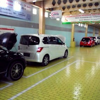 Photo taken at Honda Permata Hijau Automegah by Dizko Nuez (. on 5/22/2014