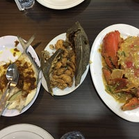 Photo taken at RM Seafood Apong by Abdul C. on 9/20/2016