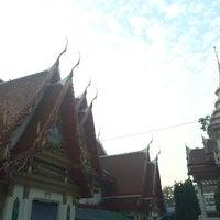 Photo taken at Wat Rouksudtharam by Meda on 10/15/2014