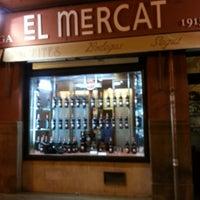 Photo taken at Bodega El Mercat Ruzafa by Voramar C. on 12/21/2013