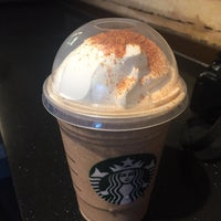 Photo taken at Starbucks by Gissela S. on 9/14/2016