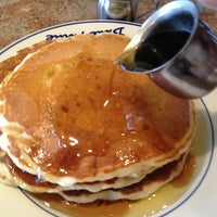 Photo taken at Du-par's Restaurant & Bakery by Patrick C. on 6/8/2013