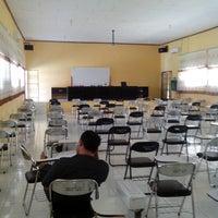 Photo taken at Fakultas Ekonomi Universitas Tadulako by Damar F. on 6/21/2013