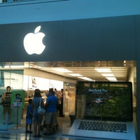 Photo taken at Apple Store, Bridgewater by Vinnie K. on 8/7/2012