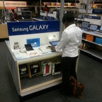 Photo taken at Best Buy by Rhee S. on 8/13/2012
