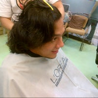 Photo taken at D'Art Hair Salon by Лiesa ⓝ. on 9/10/2012