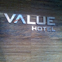 Photo taken at Value Hotel Balestier by Kim C. on 8/4/2012