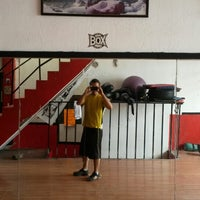 Photo taken at Ojo De Tigre Box y Muay Thai by Mauricio M. on 6/21/2014