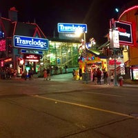 Photo taken at Clifton Hill by Lulu💎 on 8/25/2016