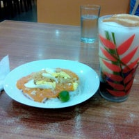 Photo taken at Razon's by Wenefredo C. on 5/12/2014