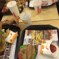 Photo taken at Burger King by Izzat A. on 8/5/2016