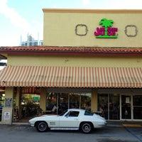 Photo taken at Miami Juice by Irina K. on 2/2/2013