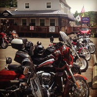 Photo taken at Rhodes North Tavern by thedevyouknow on 7/27/2013