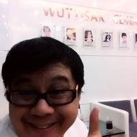 Photo taken at Wuttisak Clinic by ยอดมนุษย์ ปุ๊ดซีแลนด์ on 11/15/2012