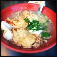 Photo taken at Noodles by Tu I. on 10/12/2014