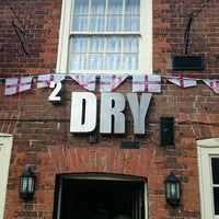 Photo taken at 2 Dry by Darren W. on 5/14/2014