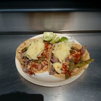 Photo taken at Tacos Don Frank by Omar Octavio M. on 9/7/2016