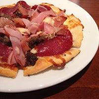 Photo taken at GPK (Gourmet Pizza Kitchen) by Reneyo on 7/20/2013
