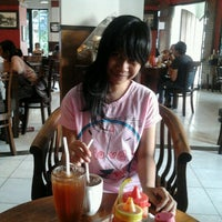 Photo taken at Burger Buto (Kedai 27) by Syahrial Haris H. on 12/28/2012