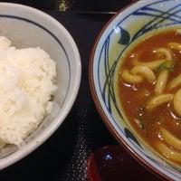 Photo taken at 丸亀製麺 信州中野店 by Hiroyuki T. on 6/8/2014