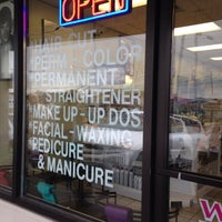 Photo taken at Lyn Hair Salon by C.Y. L. on 1/14/2014