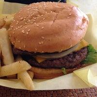 Photo taken at Mahaloha Burger by Tomonori S. on 5/19/2013