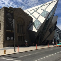 Photo taken at Royal Ontario Museum - ROM Governors by Fyn on 6/18/2016