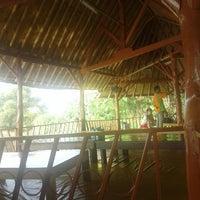 Photo taken at Restoran & Wisata Air Alam Sari by Lia H. on 8/16/2015