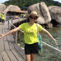 Photo taken at Koh Nang Yuan Dive Resort by MiniB U. on 5/25/2013