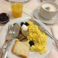 Foto scattata a Atlantic Palace Hotel da 3baid A. il 12/31/2013