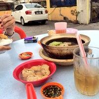 Photo taken at 食味香瓦煲肉骨荼 Bak Kut Teh by мιѕѕ н. on 1/24/2014