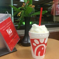 Photo taken at Chick-fil-A by Marie Z. on 7/15/2016