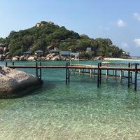 Photo taken at Koh Nang Yuan Dive Resort by Sikrin N. on 3/18/2016