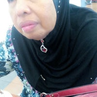 Photo taken at Big Apple Donuts & Coffee by Syazwanie S. on 2/16/2016