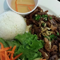 Photo taken at Pho Bistro by Queen B. on 11/16/2014